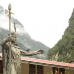 Statue in Aguas Calientes